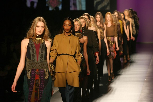 Dit zijn de modetrends voor komende lente en zomer!