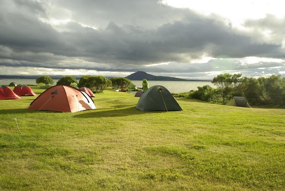 Ga je binnenkort gezellig kamperen? Dit heb je nodig!